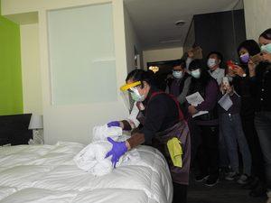 入境居家檢疫「1人1戶」新措施上路 南投強化防疫旅館管理清消