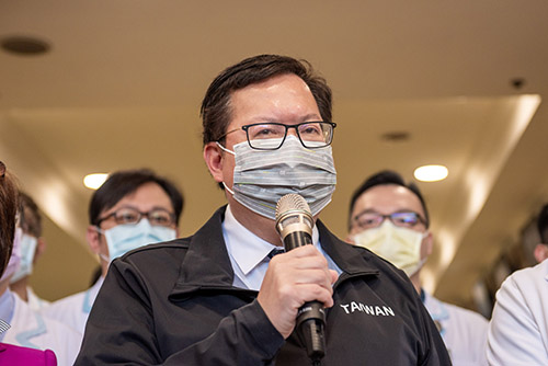 桃園市長鄭文燦慰勉天晟醫院醫護團隊 守護市民健康