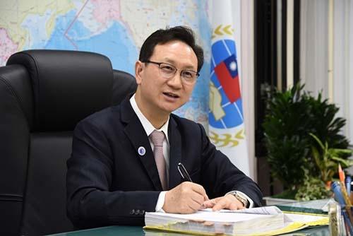 不畏疫情與挑戰:僑委會推展創新僑務政策