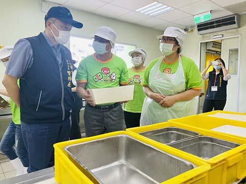台中市衛生局長視察醫療院所及團膳業者關心用水