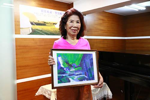 創高齡友善台灣 新北聯醫「樂齡彩繪人生」創作畫展登場